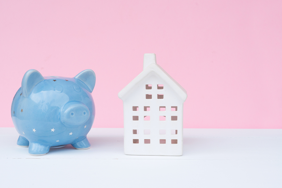 Is it better to put a lump sum on mortgages, or to put this money into my pension?